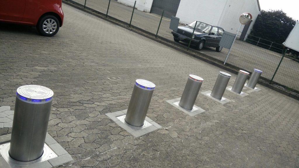Parkplatzsicherung mit versenkbaren Pollern